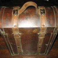 Portabotellas de madera y cuero
